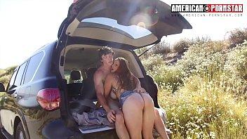 matura in campagna con giovane amante che la fa godere